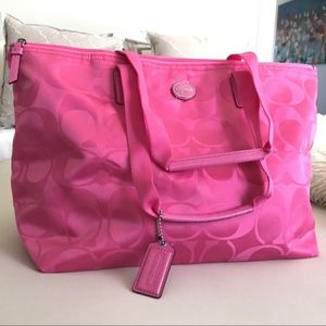 NWOT Lightweight Coach Packable Tote - Hot Pink